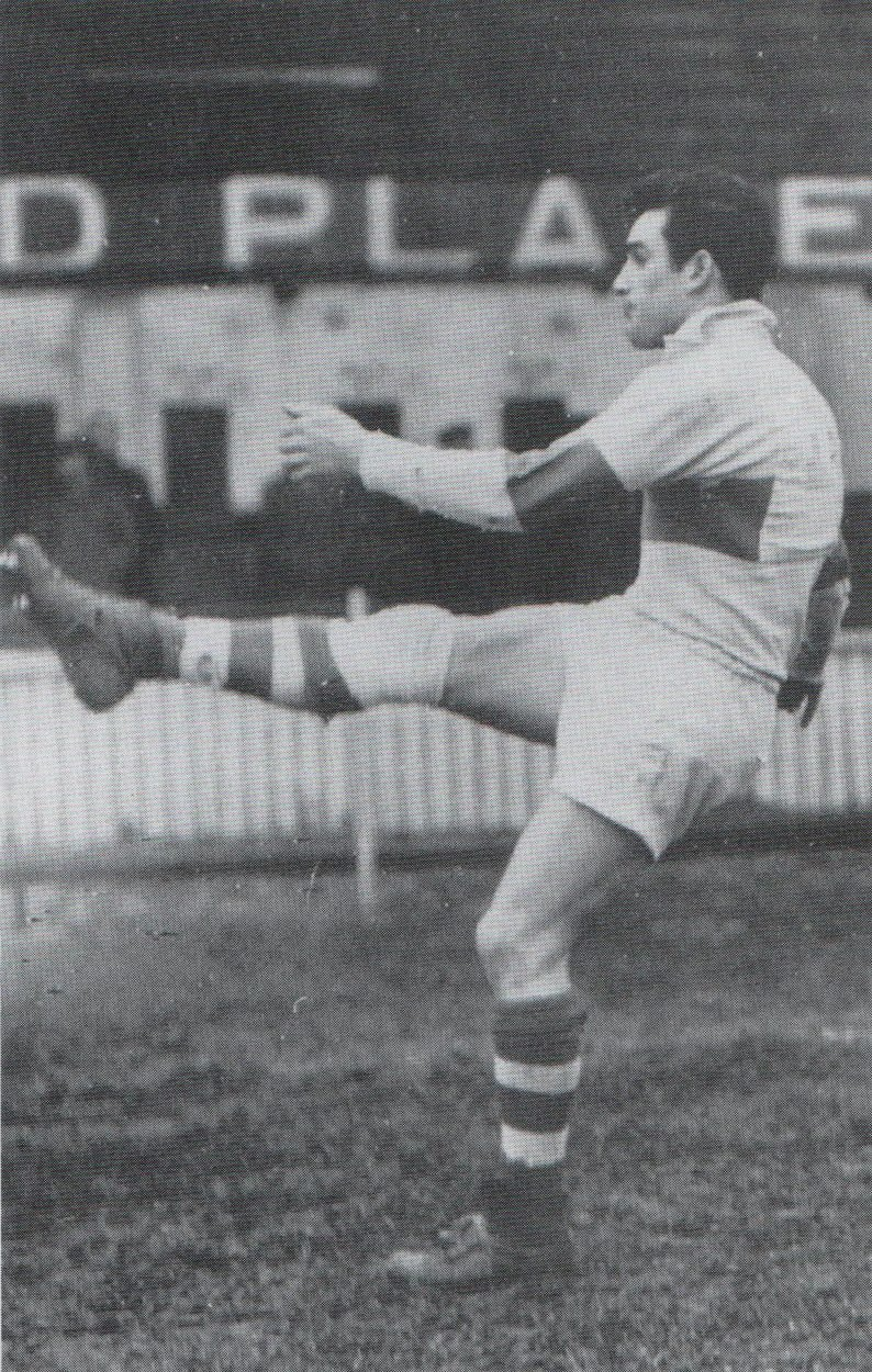 Typical kicking style of Cyril Kellett